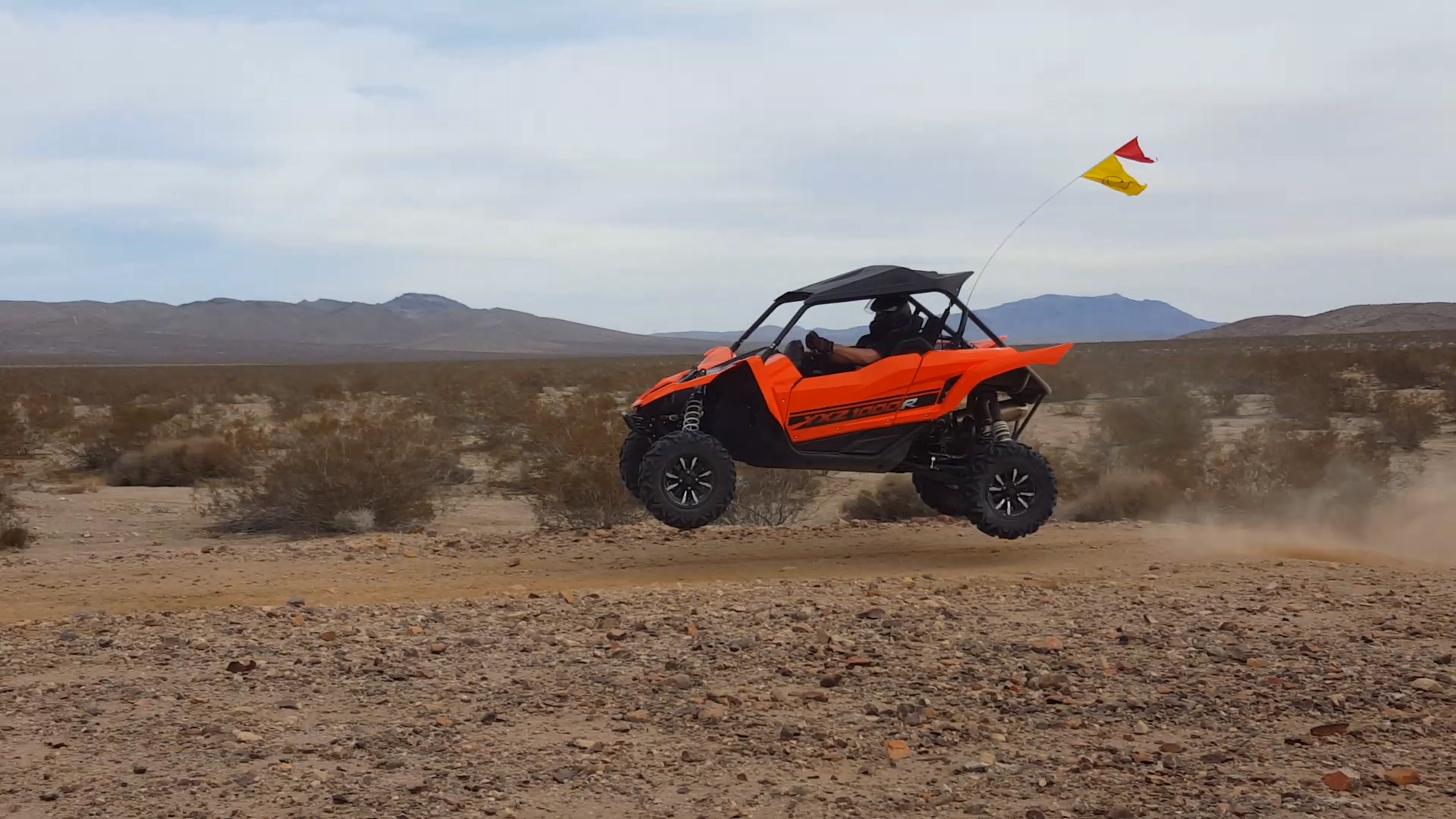 Why is everyone afraid of pics & vids on here ?????????????-yxz-jump-2.jpg